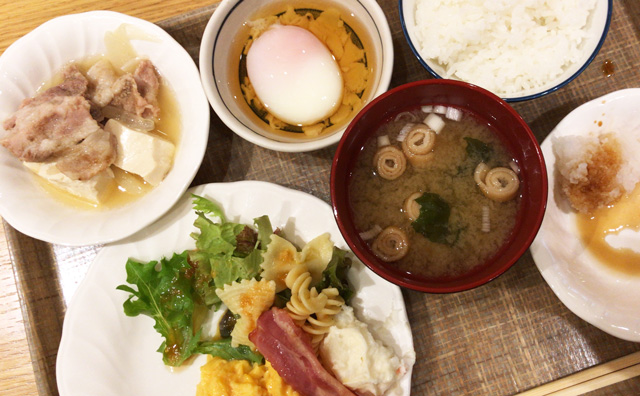 新宿ローズガーデンの朝食ビュッフェ